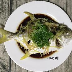 传统粤菜之清蒸金鲳鱼肉肉厨