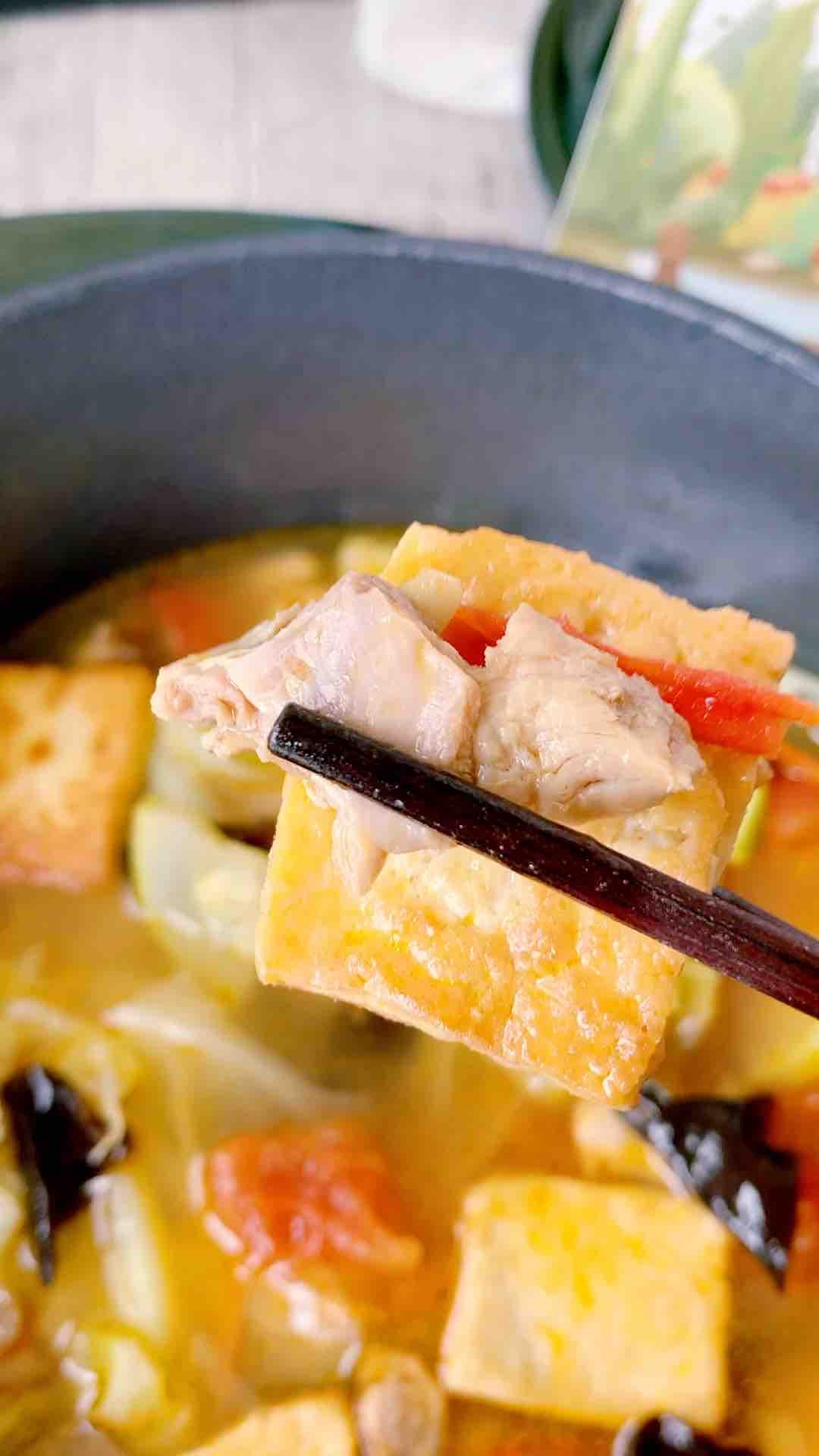鸡汤豆腐煲
