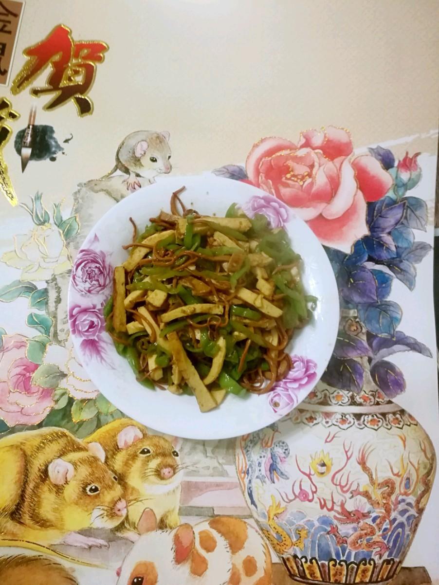 香干蘑菇炒青椒
