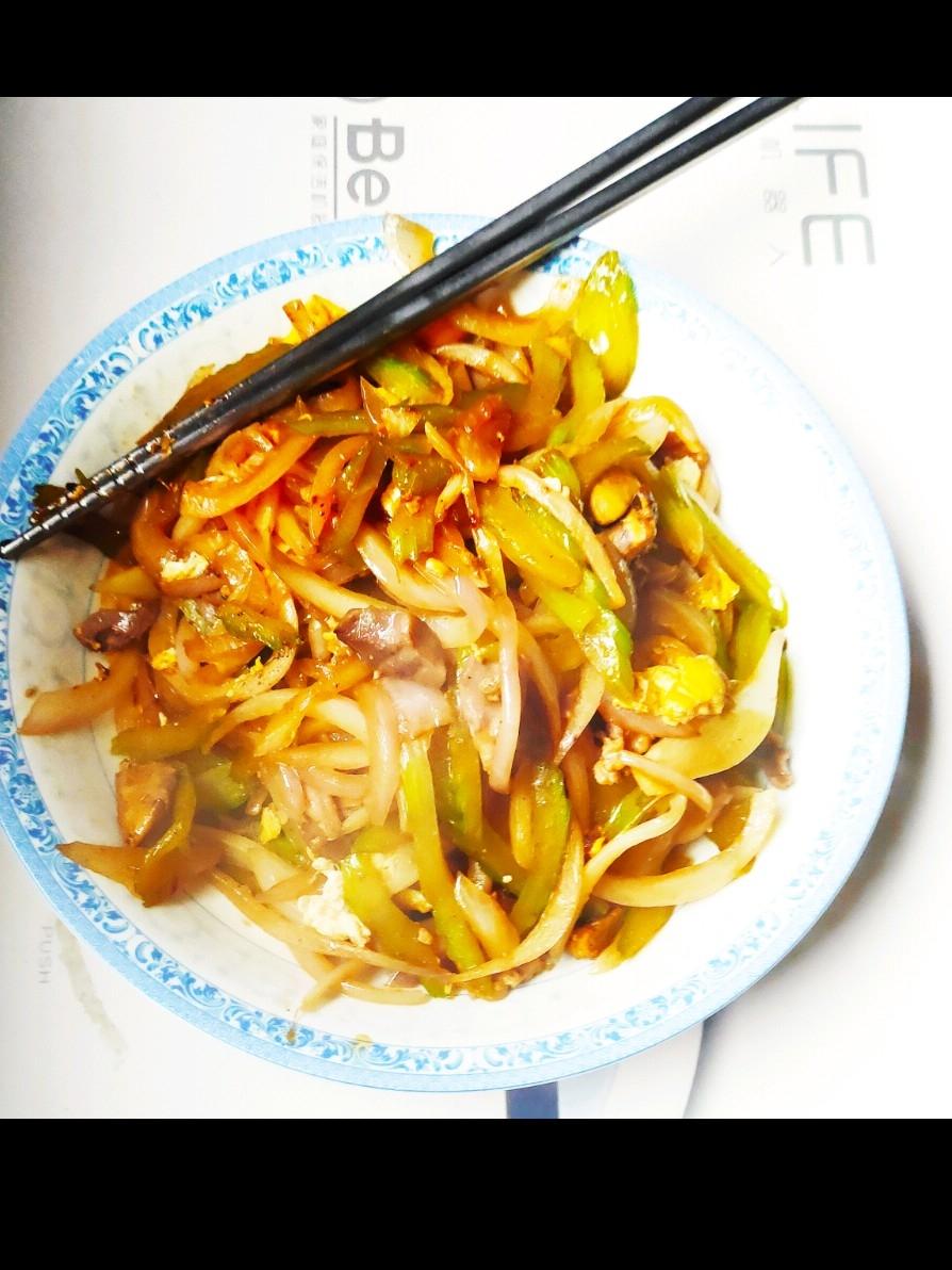芹菜洋葱炒鸡杂