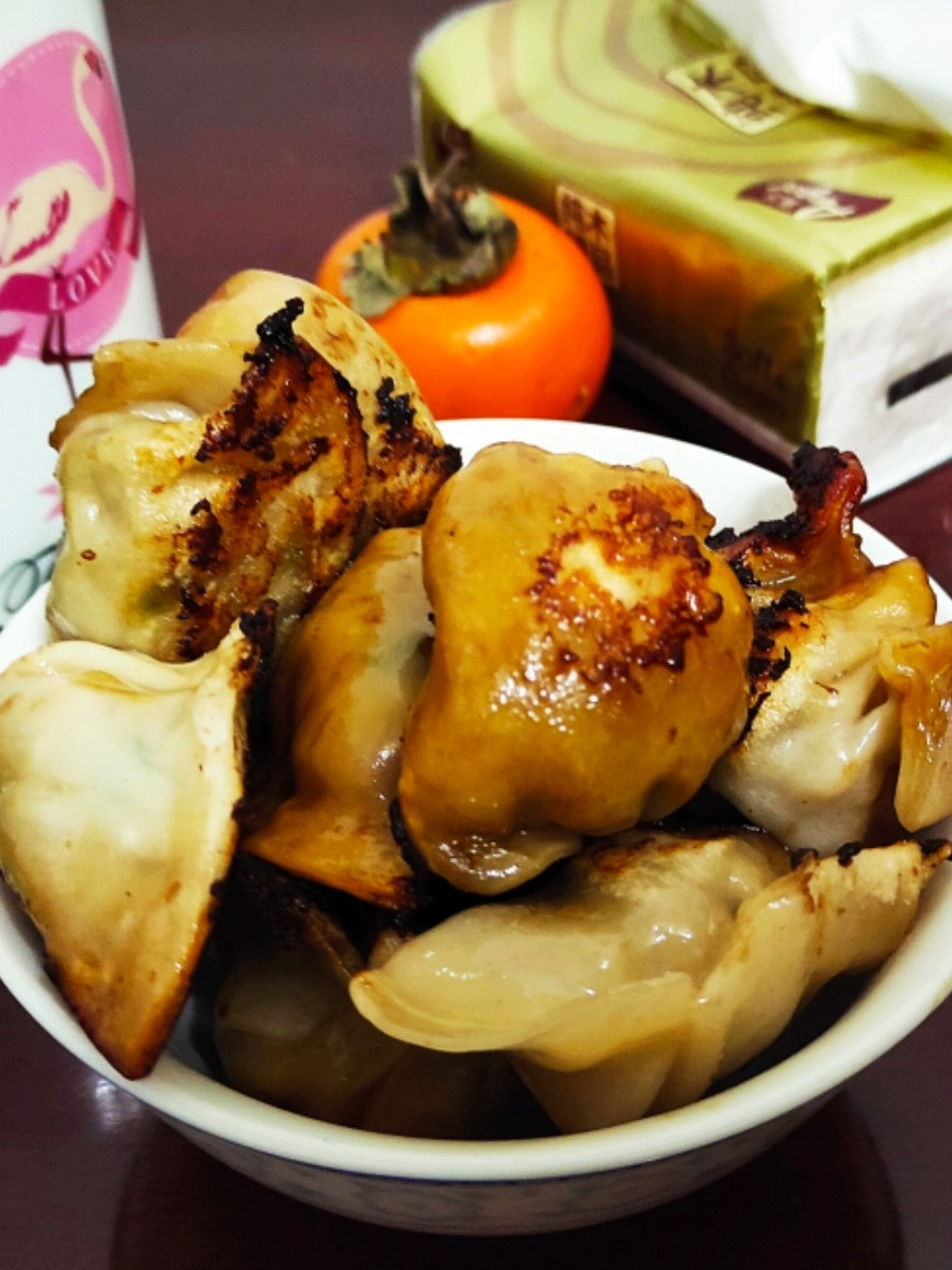 简单的晚餐……煎饺来了
