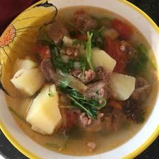 牛肉炖番茄土豆