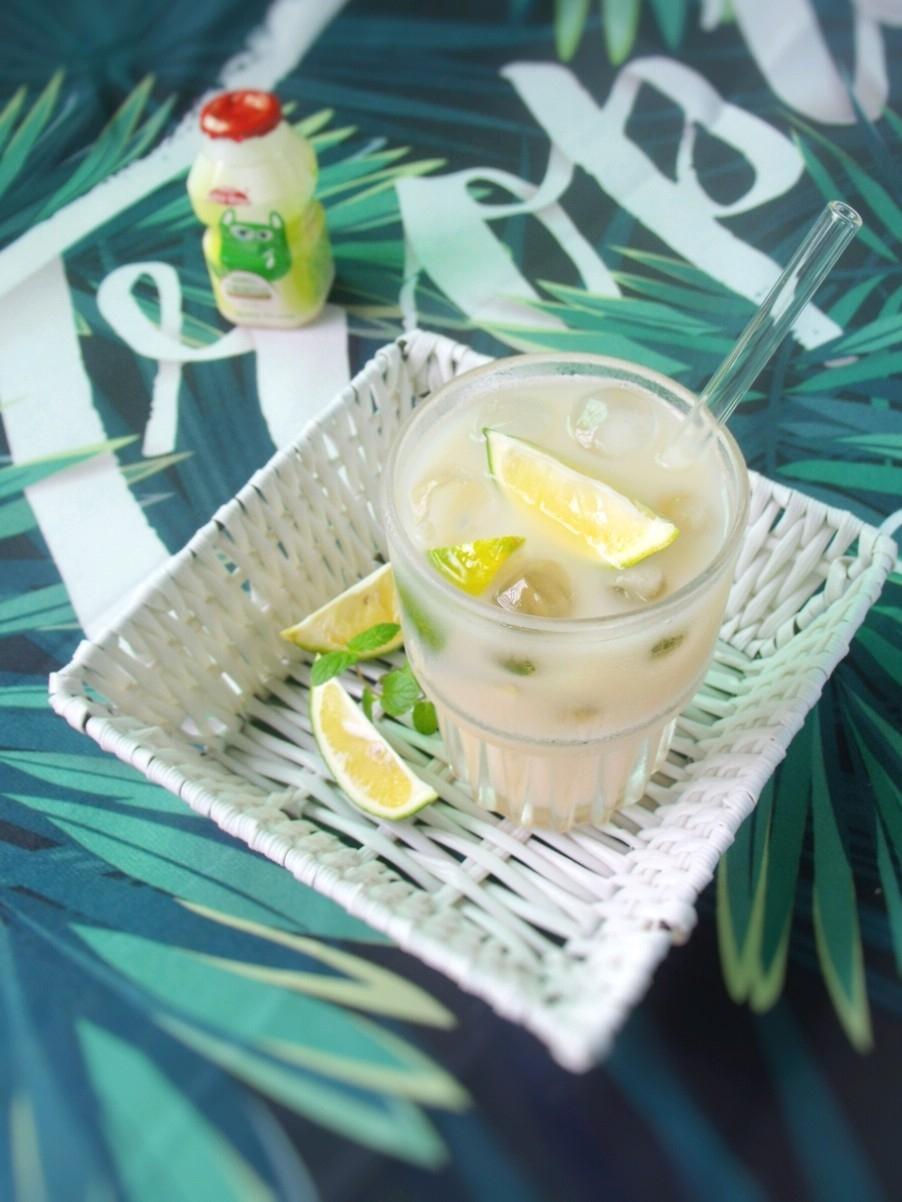 乳酸菌绿茶柠檬饮的做法