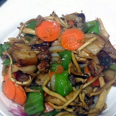 茶树菇回锅肉