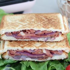 洋葱培根三明治