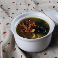 虫草花百合泰和乌鸡汤
