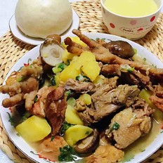 大骨鸡炖土豆香菇