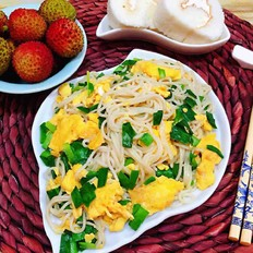 韭菜鸡蛋炒面