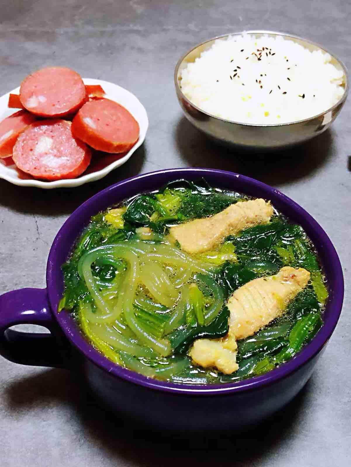 菠菜粉条鲜肉汤