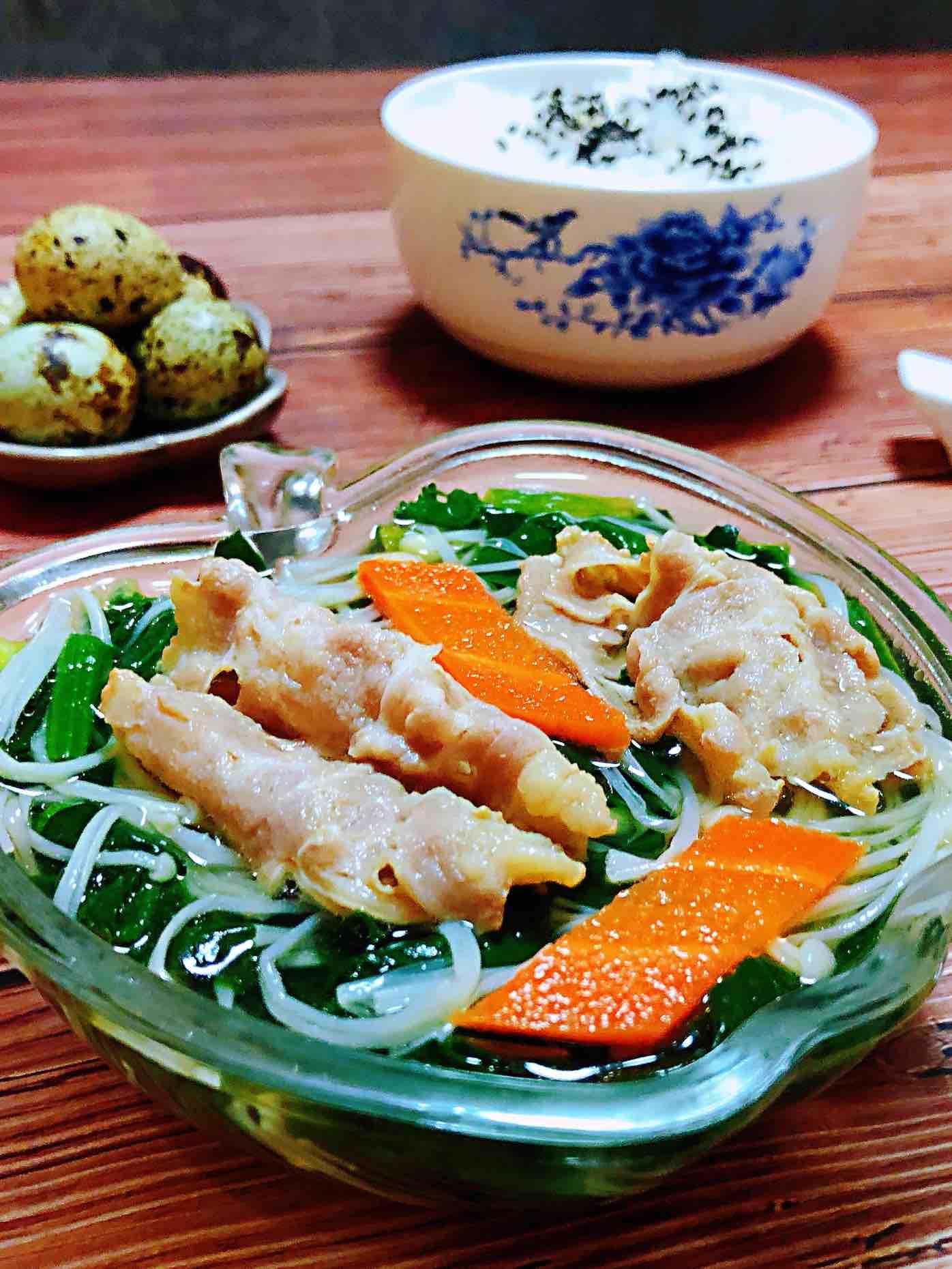 菠菜肥牛金针菇汤