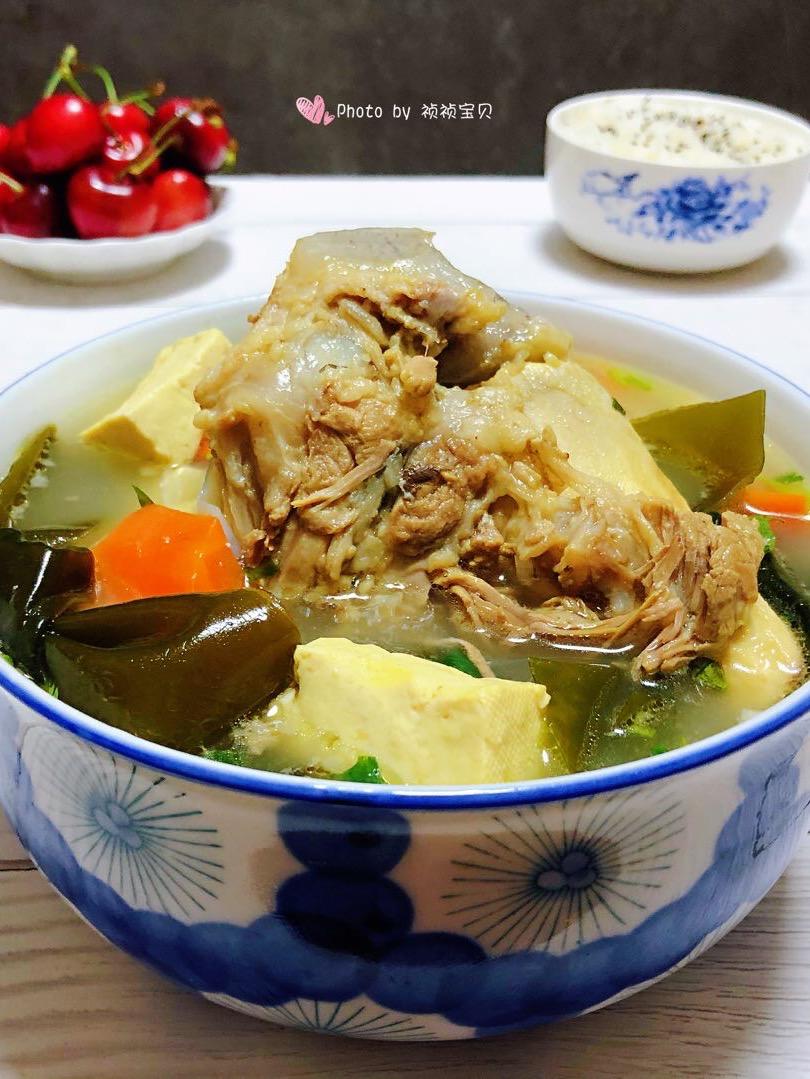 海带豆腐筒骨汤