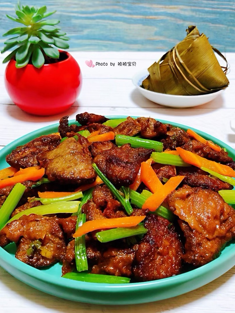 芹菜炒猪肝
