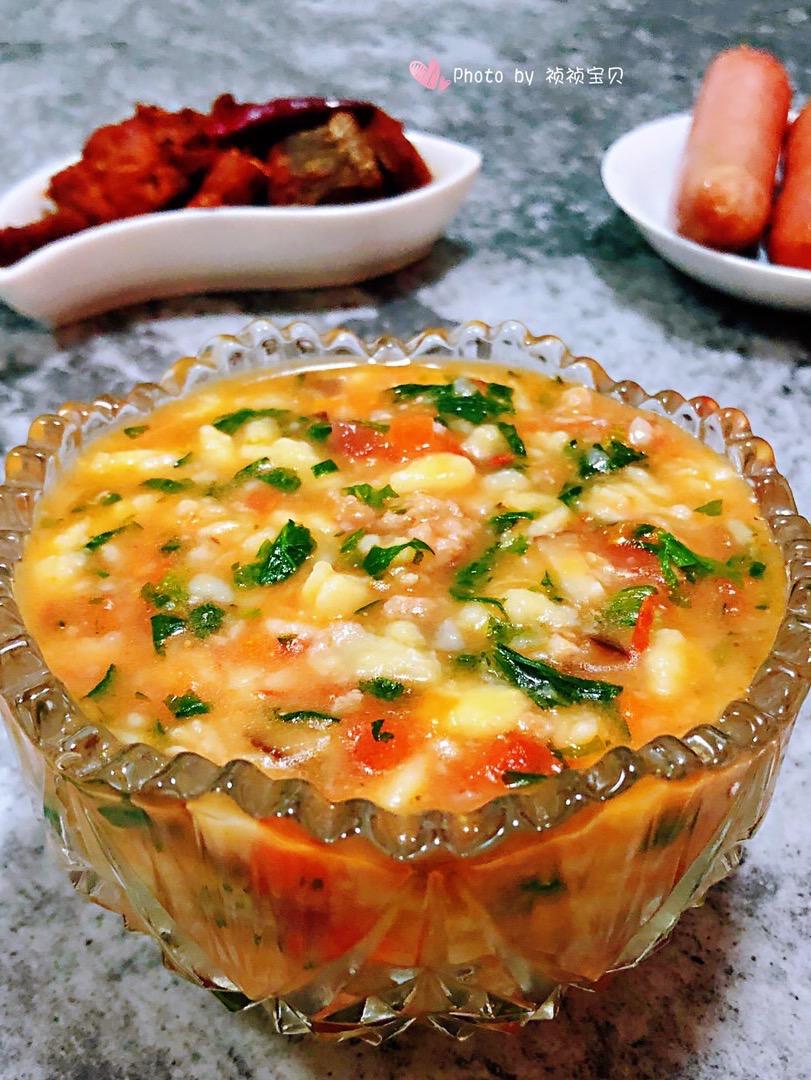 西红柿香菇芹菜叶猪肉疙瘩汤