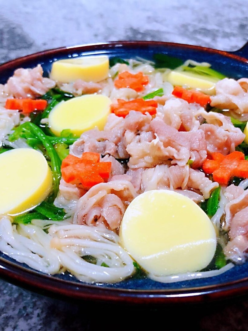 肥羊菠菜金针菇豆腐汤