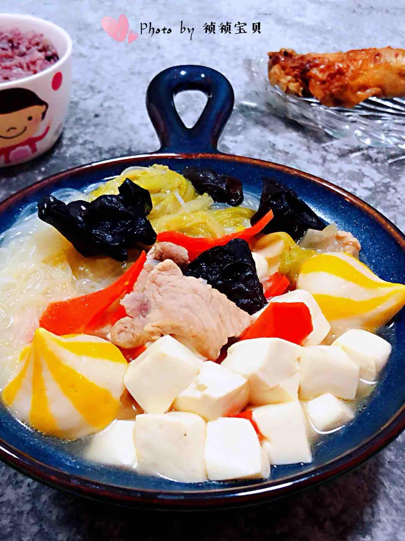 猪肉白菜海胆丸豆腐粉丝汤