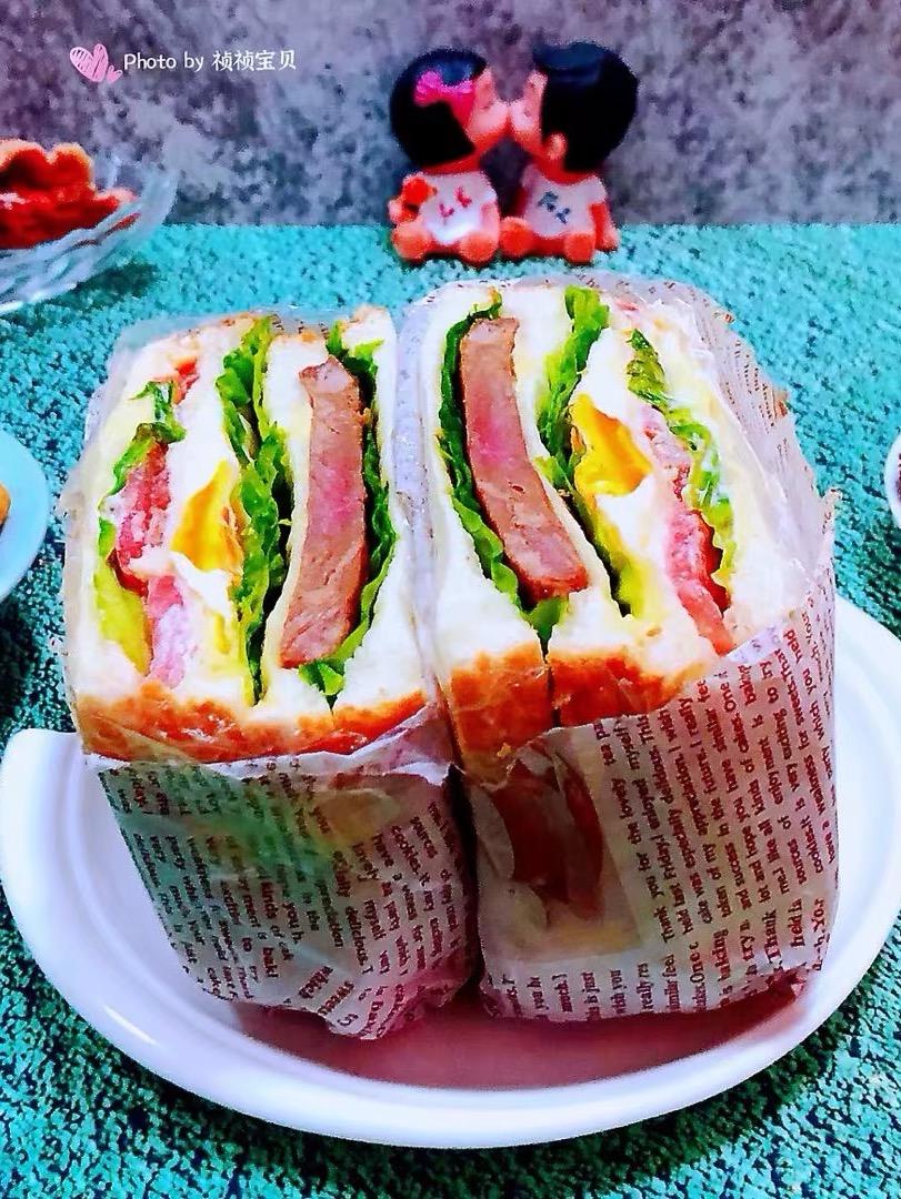 牛排番茄煎蛋三明治的做法