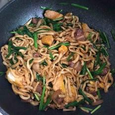 五花肉豆干韭菜炒面