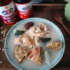 猪骨莲蓬冬瓜薏米汤