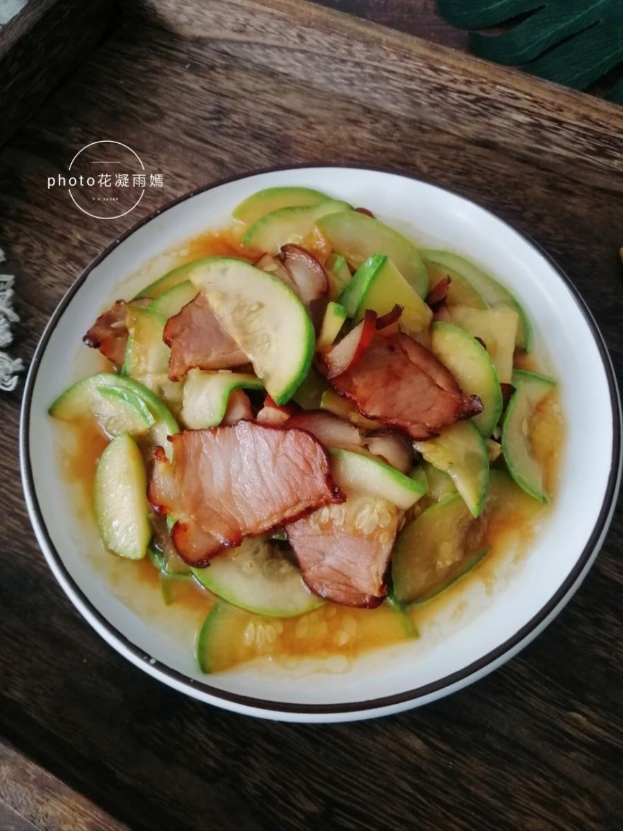 西葫芦炒腊肉