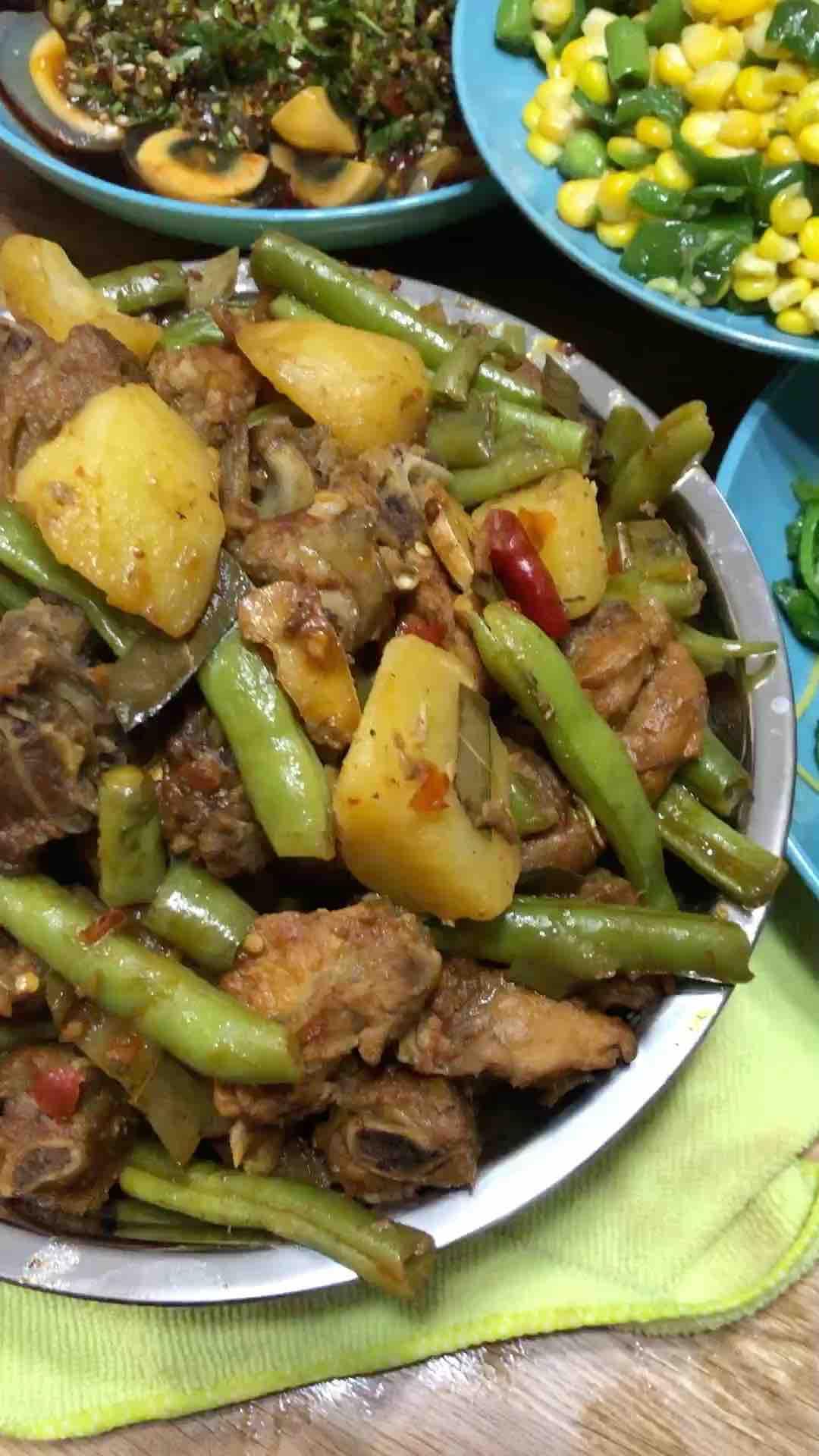 土豆燒排骨