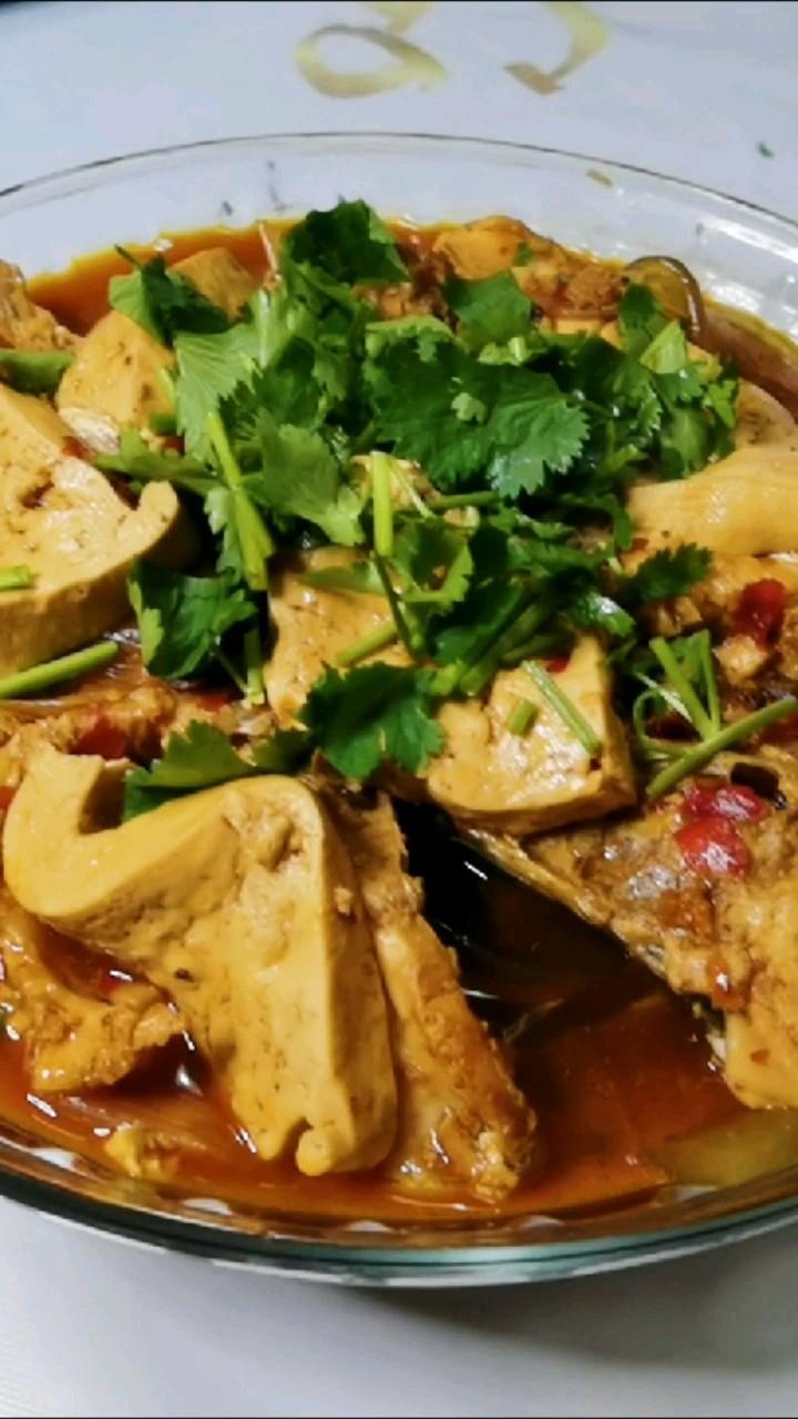 家常侉炖鱼,草鱼最入味的烹饪方法