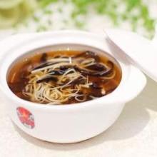 龙筵虫草食补方:冬菇虫草炖鲍参