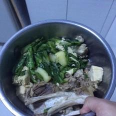 排骨炖冻豆腐土豆子