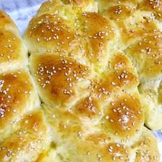 辫子花样面包