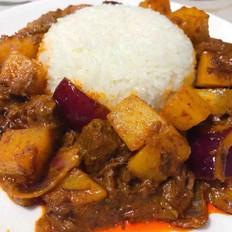 黄咖喱炖牛腩盖饭