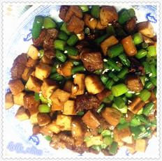 蒜台豆干肉丁