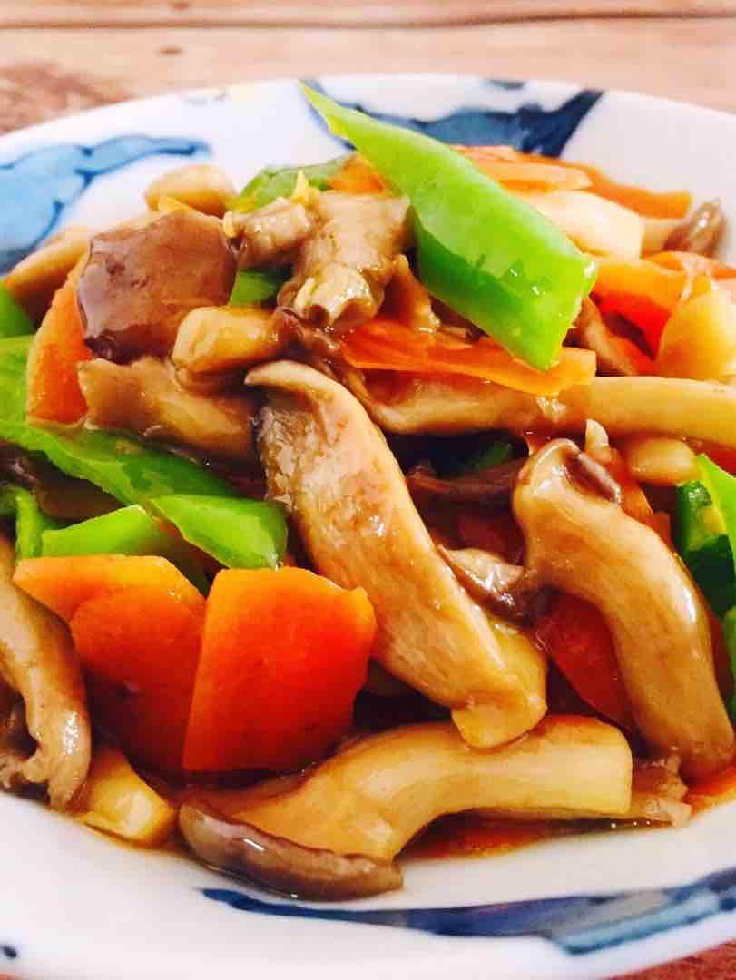 青椒炒蘑菇