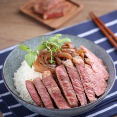 超好吃的牛肉丼在家也能做——东京牛肉丼【孔老师教做菜】的做法