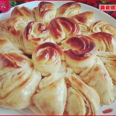 苹果酱椰蓉花式面包