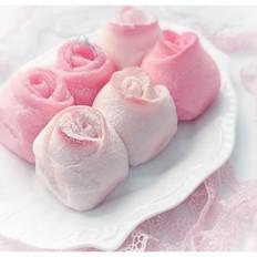 粉色少女梦幻玫瑰花面包