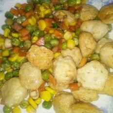 玉米胡萝卜豆子炒肉丸