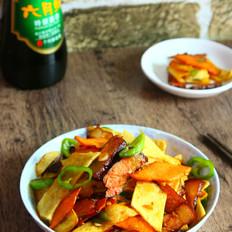 腊肉干锅土豆片