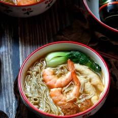 鲜虾杂汤面