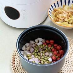 脆皮肠芋艿杂粮饭的做法
