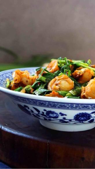 韭菜炒扇贝的做法
