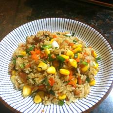 胡萝卜玉米粒炒饭