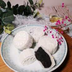 中秋必备~~黑芝麻冰皮月饼