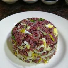 绿豆芽炒紫米饭
