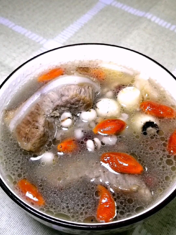 节补猪骨汤的做法