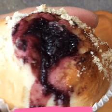 酸甜软香小面包~~蓝莓宝顶小包