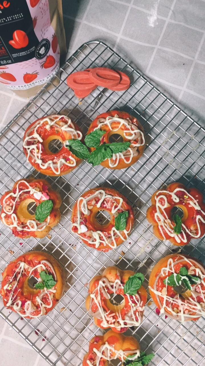 随心所意烂漫香甜~~草莓巧克力甜甜圈
