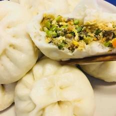 蒜苔鸡蛋虾米五花肉海带包子
