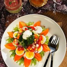 蔬菜酸奶沙拉+樱桃酸奶奶昔