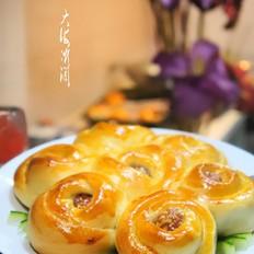 樱桃酱馅花样面包