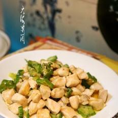 秋葵炒鸡胸肉