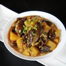 东北农家菜茄子炖土豆